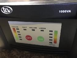 bộ chuyển điện 12v ra 220v sin chuẩn, có sạc và có online 1000VA